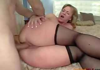 large booty mommy likes anal sex
