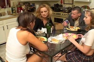 hawt mommy catches daughter and her guidance