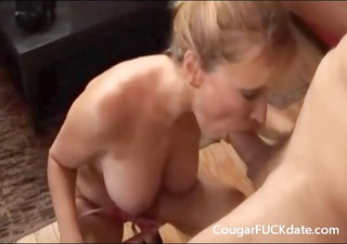 cougar gives a great oral