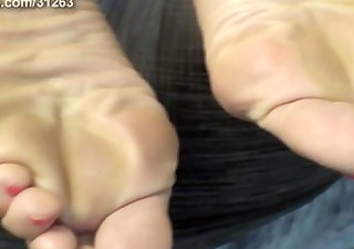 golden-haired cougar soles and feet.